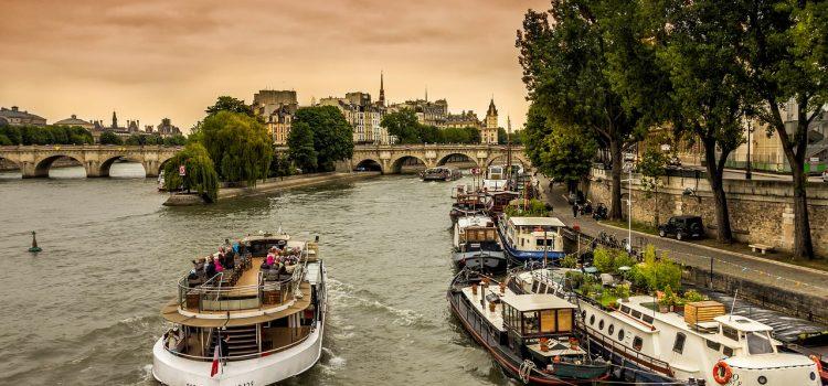 Louer un bateau en Bretagne sans avoir le permis