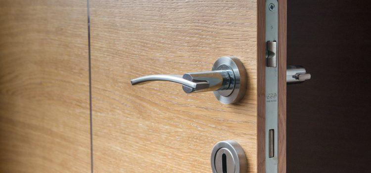 Quel matériau utilisé pour la poignée de porte?