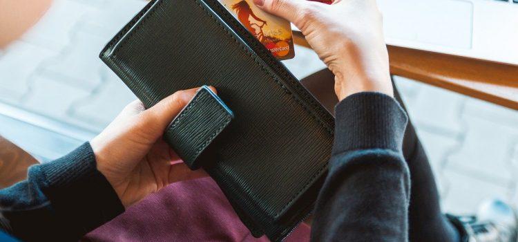 Comment choisir un portefeuille pour femme